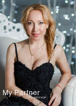 Charming Woman from Russia - Lina from St. Petersburg, Russia