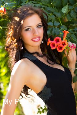 Dating Service to Meet Sexy Ukrainian Woman Anastasiya from Nikolaev, Ukraine