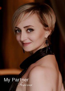Dating Service to Meet Beautiful Ukrainian Woman Viktoriya from Kiev, Ukraine