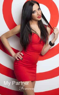 Dating Service to Meet Pretty Ukrainian Woman Zhanna from Vinnitsa, Ukraine