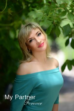 Dating with Sexy Ukrainian Girl Anna from Kharkov, Ukraine