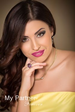 Dating with Single Ukrainian Woman Nataliya from Vinnitsa, Ukraine
