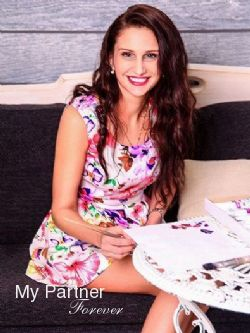 Datingsite to Meet Beautiful Russian Woman Nataliya from Pskov, Russia