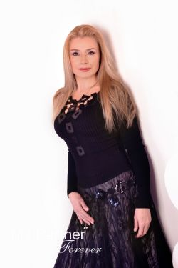 Meet Pretty Ukrainian Girl Oksana from Kharkov, Ukraine