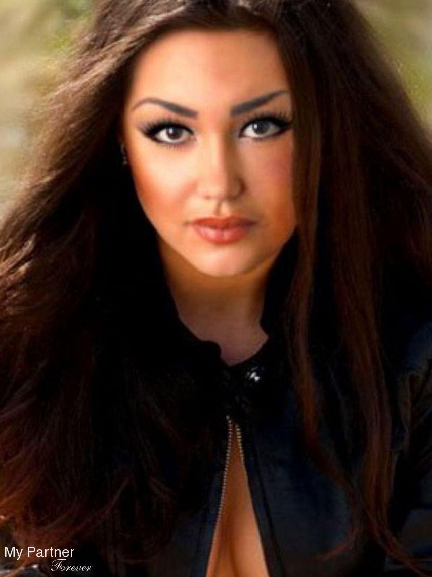 Dating Service to Meet Stunning Ukrainian Woman Alesya from Vinnitsa, Ukraine