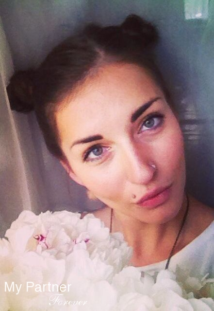 Dating Site to Meet Beautiful Russian Woman Alena from Pskov, Russia