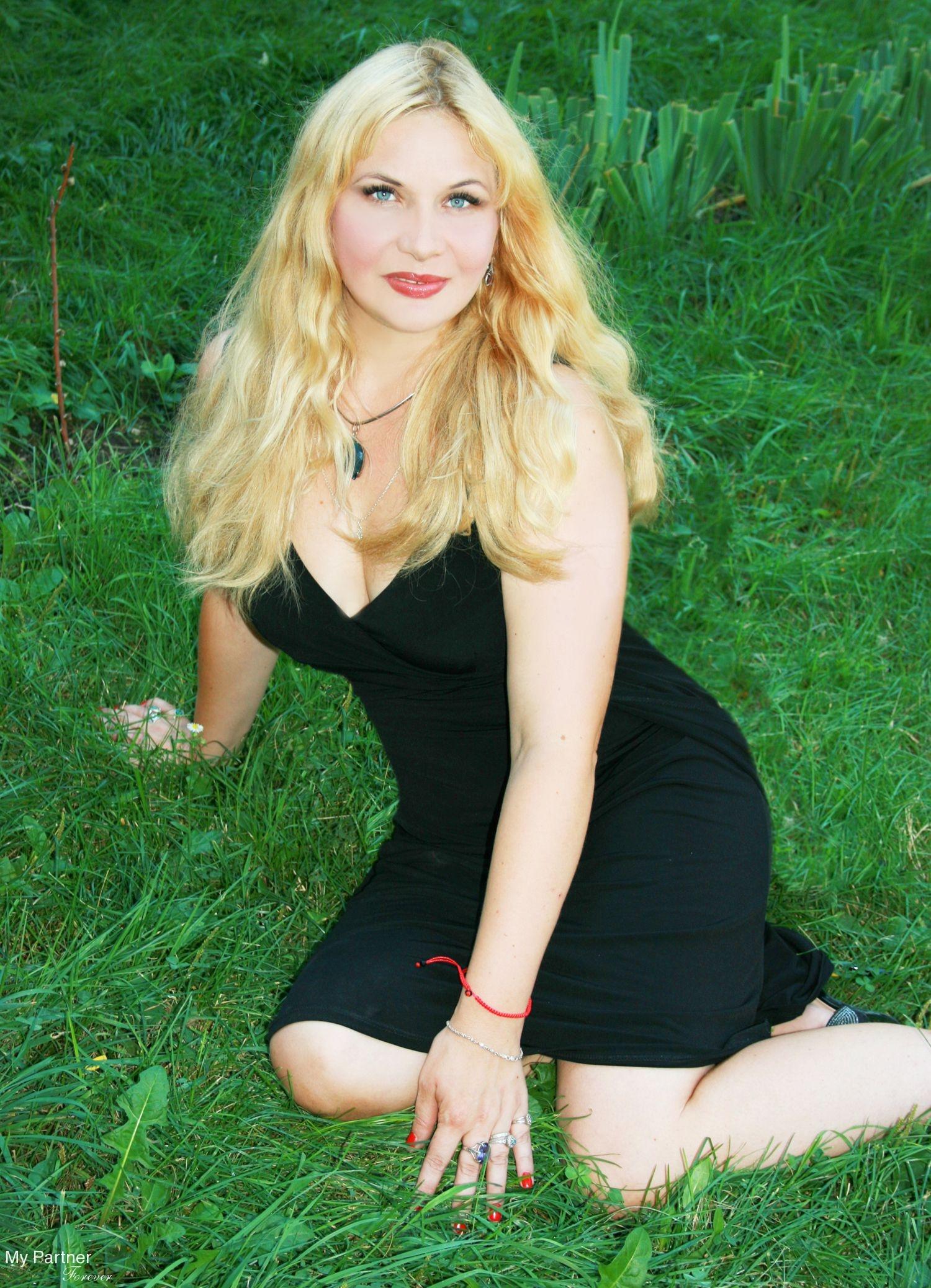 Dating with Gorgeous Ukrainian Woman Olga from Odessa, Ukraine