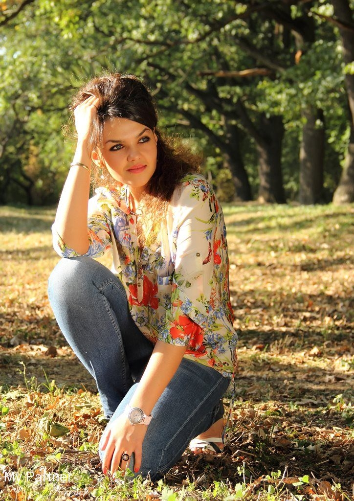 Datingsite to Meet Beautiful Ukrainian Woman Elena from Vinnitsa, Ukraine