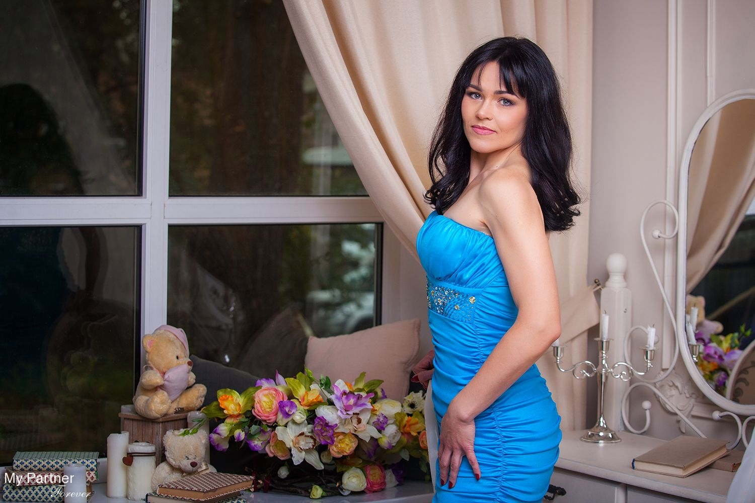 dating profile how many pictures Are you being drawn into a romance scam at romance scams we find out if the subjects are real or not we uncover online dating scams to make sure you are safe from internet scammers and the like.