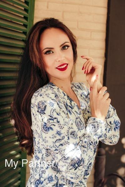 Dating Service to Meet Beautiful Ukrainian Lady Olga from Zaporozhye, Ukraine