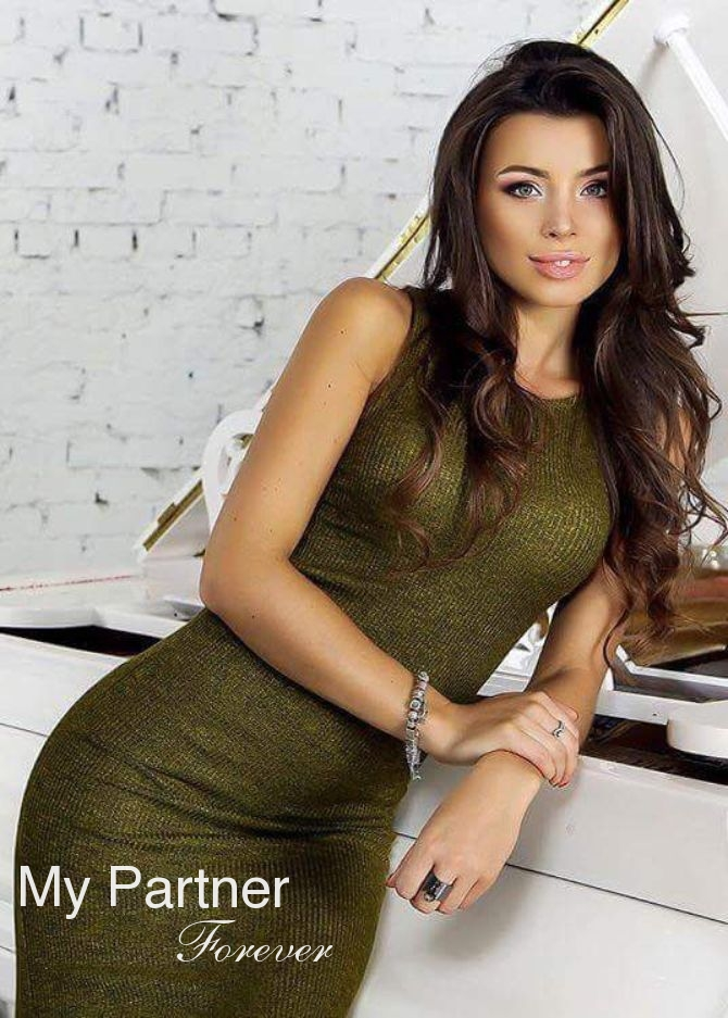 Dating Service to Meet Gorgeous Ukrainian Woman Olga from Vinnitsa, Ukraine