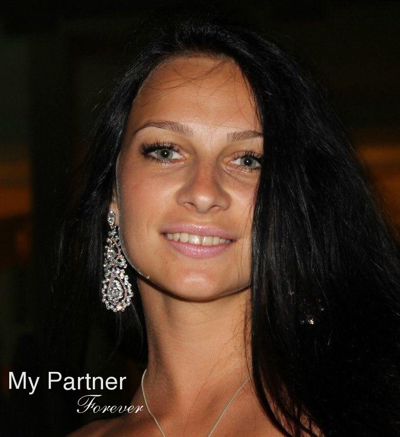 Dating Service to Meet Pretty Belarusian Woman Elena from Grodno, Belarus