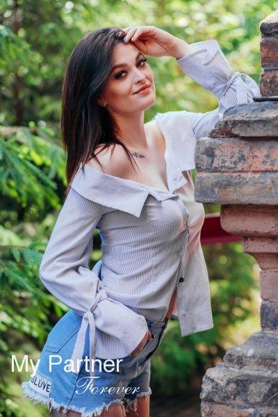 Dating Service to Meet Pretty Ukrainian Lady Mariya from Zaporozhye, Ukraine