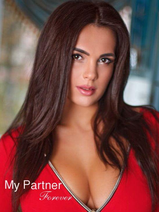 Dating Service to Meet Sexy Ukrainian Lady Kristina from Kiev, Ukraine