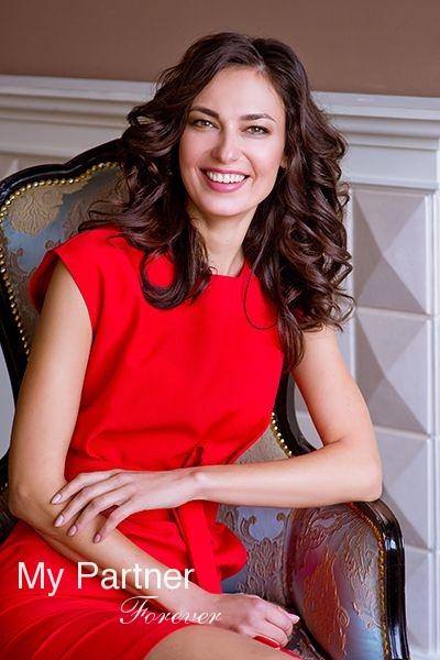 Dating Service to Meet Stunning Ukrainian Girl Zoya from Zaporozhye, Ukraine