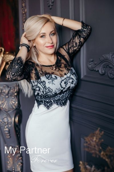 Dating Site to Meet Beautiful Ukrainian Girl Oksana from Zaporozhye, Ukraine