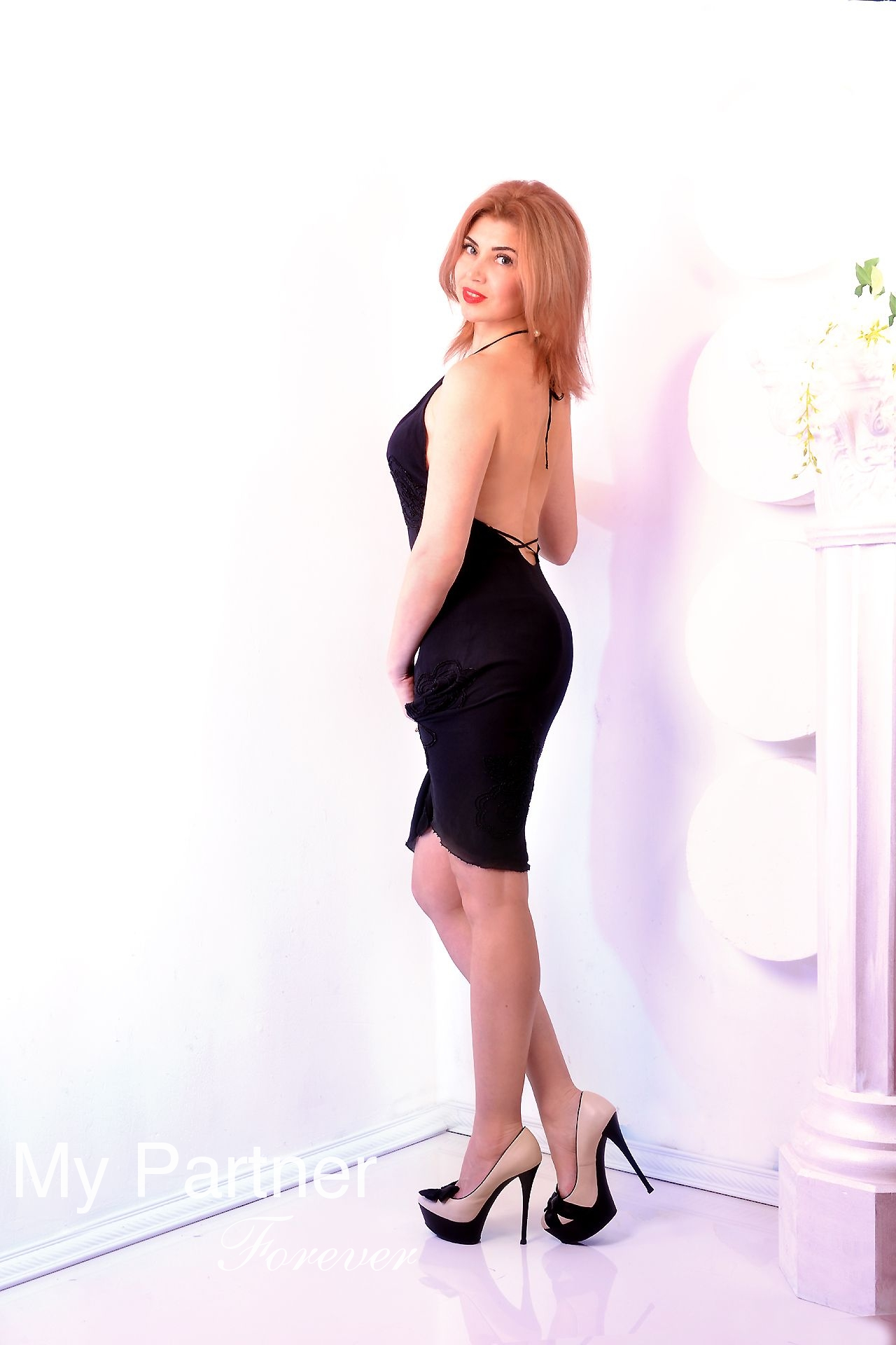 Dating Site to Meet Beautiful Ukrainian Woman Alina from Kharkov, Ukraine