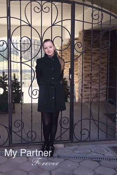 Dating Site to Meet Gorgeous Russian Lady Valentina from Pskov, Russia