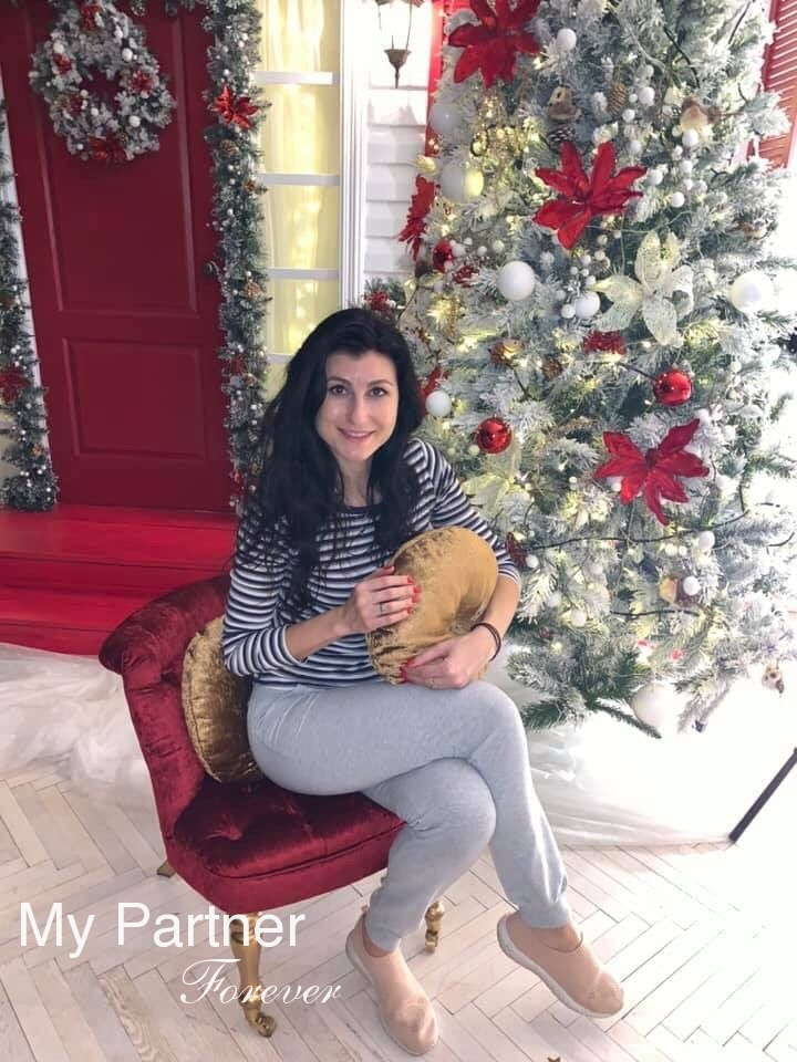 Dating Site to Meet Single Ukrainian Lady Elena from Kiev, Ukraine