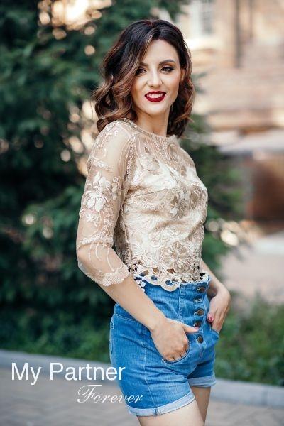 Dating Site to Meet Stunning Ukrainian Girl Darya from Zaporozhye, Ukraine