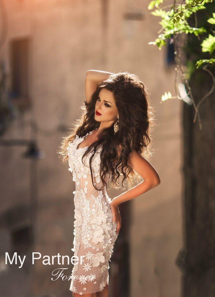 Dating Site to Meet Stunning Ukrainian Lady Nataliya from Vinnitsa, Ukraine
