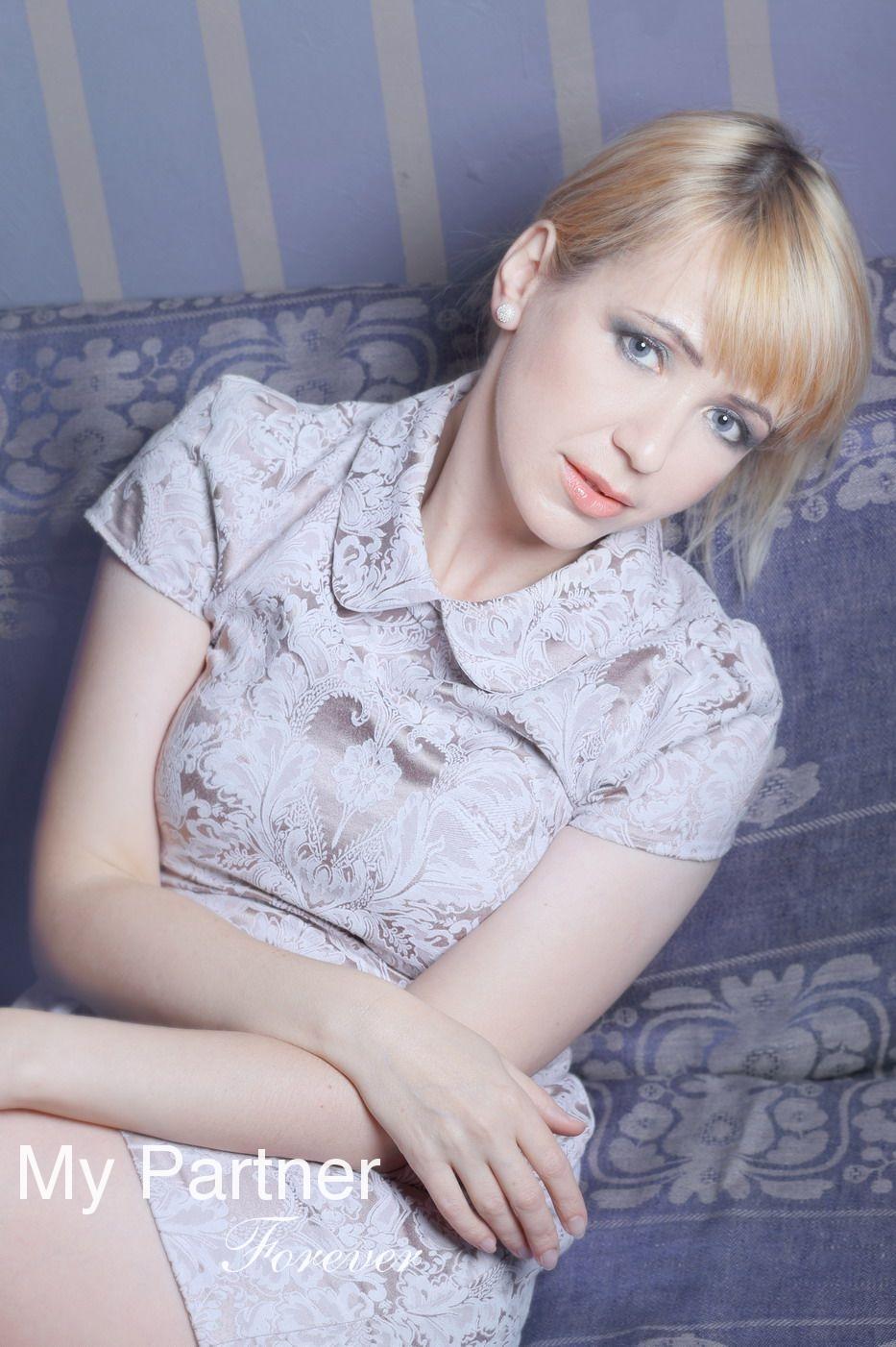 Dating with Beautiful Belarusian Girl Nataliya from Grodno, Belarus