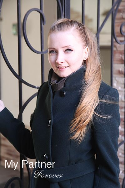 Dating with Beautiful Russian Lady Valentina from Pskov, Russia