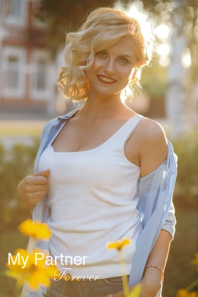 Dating with Charming Ukrainian Lady Anastasiya from Zaporozhye, Ukraine