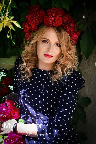 Dating with Gorgeous Russian Lady Svetlana from Pskov, Russia