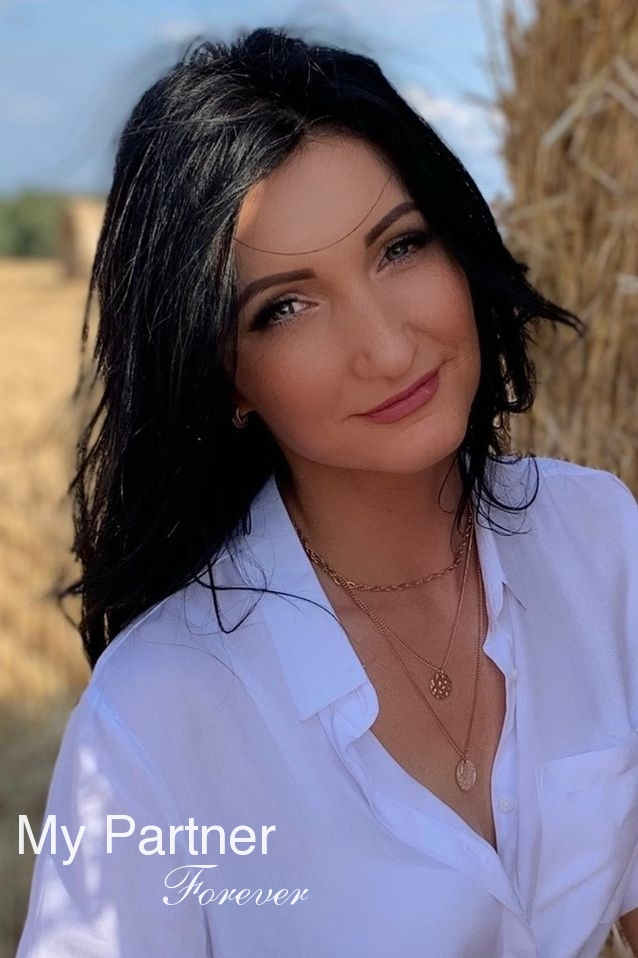 Dating with Pretty Belarusian Lady Irina from Grodno, Belarus