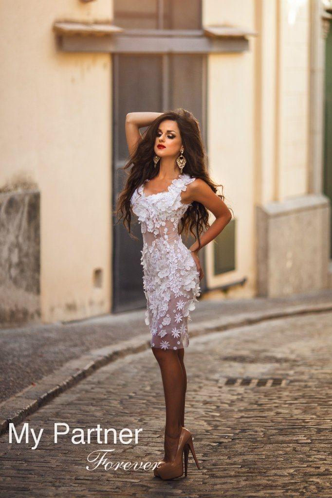 Dating with Pretty Ukrainian Lady Nataliya from Vinnitsa, Ukraine