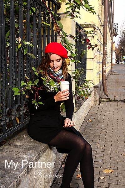 Datingsite to Meet Beautiful Russian Girl Alina from Pskov, Russia