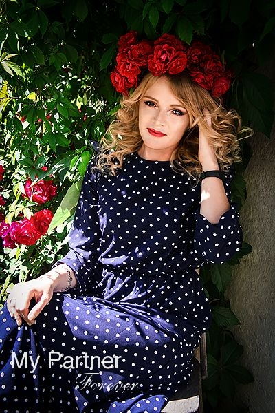 Datingsite to Meet Beautiful Russian Lady Svetlana from Pskov, Russia