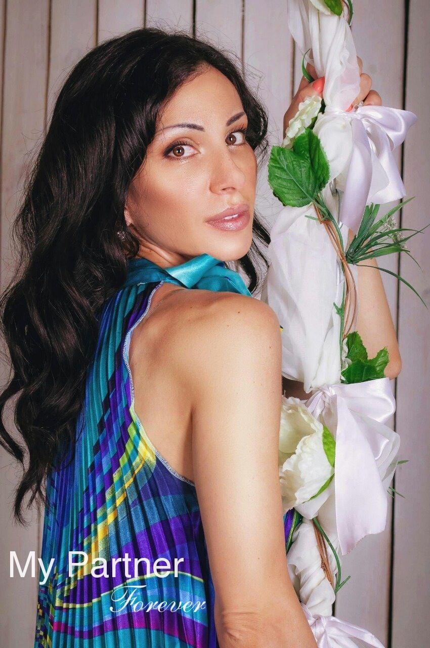 Datingsite to Meet Gorgeous Ukrainian Woman Arina from Kiev, Ukraine