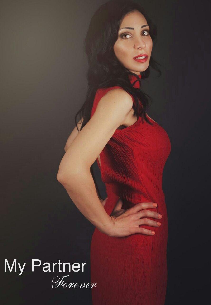 Datingsite to Meet Pretty Ukrainian Woman Arina from Kiev, Ukraine