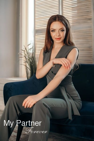 Datingsite to Meet Single Ukrainian Lady Karina from Zaporozhye, Ukraine