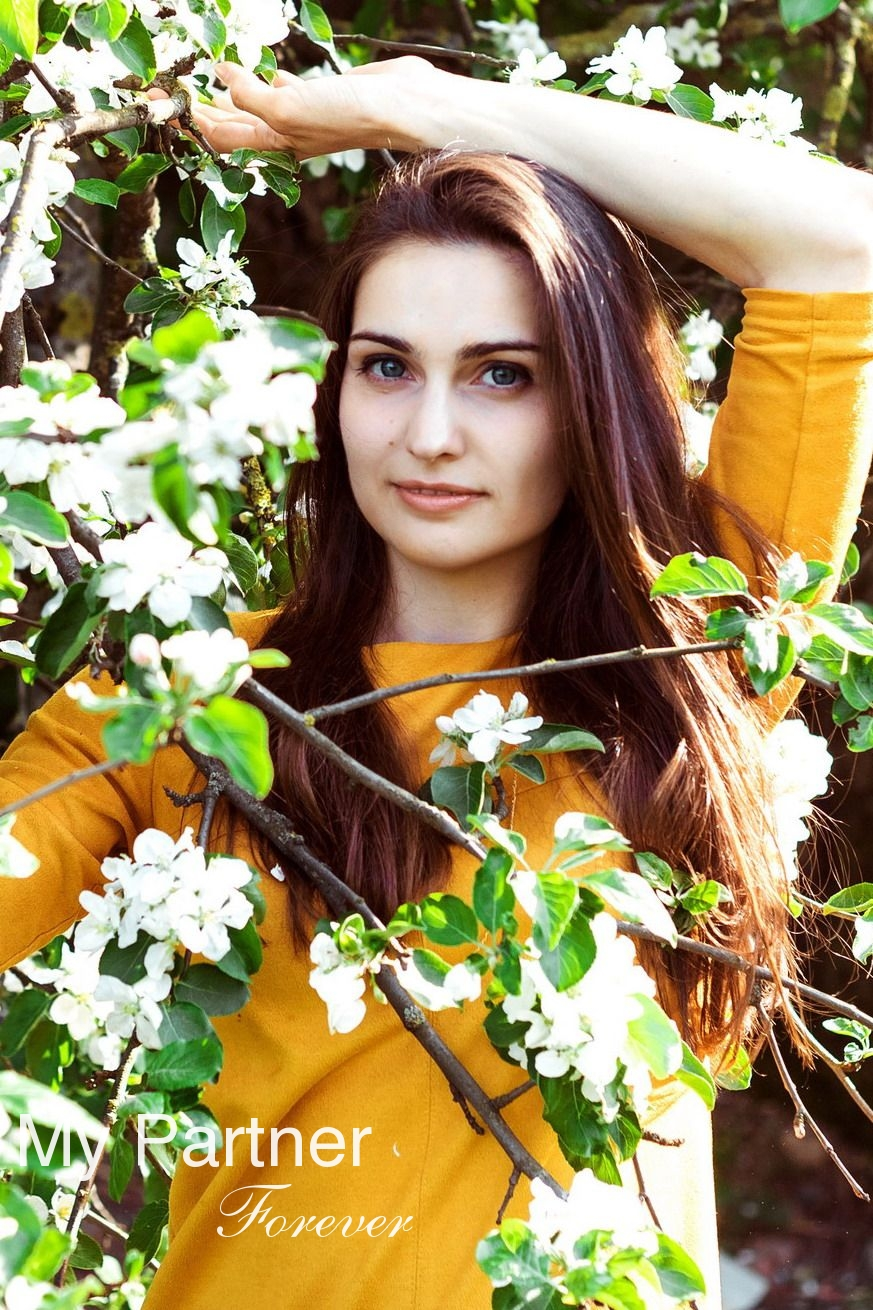 Datingsite to Meet Stunning Belarusian Woman Oksana from Grodno, Belarus