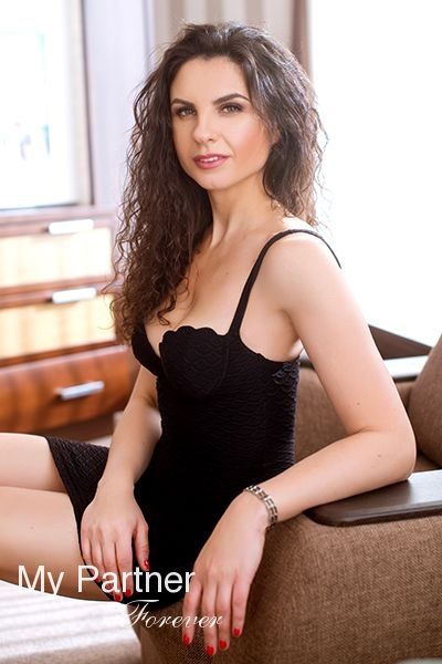 Datingsite to Meet Stunning Ukrainian Woman Valentina from Zaporozhye, Ukraine