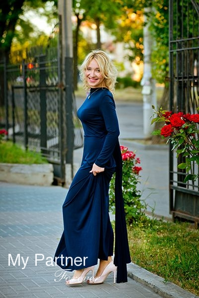 Meet Beautiful Ukrainian Girl Yuliya from Zaporozhye, Ukraine