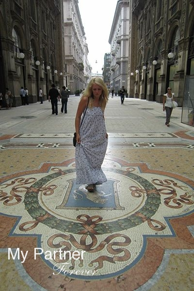 Meet Charming Russian Woman Yuliya from St. Petersburg, Russia