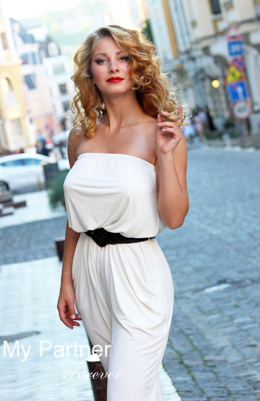Russian Women & Girls, Date Hot & Beautiful Woman Elena.