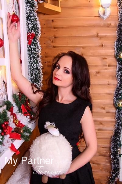 Online Dating with Gorgeous Russian Lady Kseniya from St. Petersburg, Russia