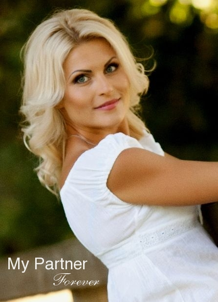 Online Dating with Single Ukrainian Woman Tatiyana from Poltava, Ukraine