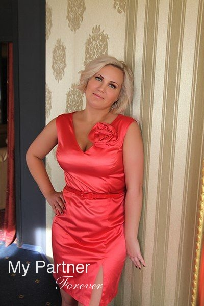 Russian Girl Seeking Men - Elena from Pskov, Russia