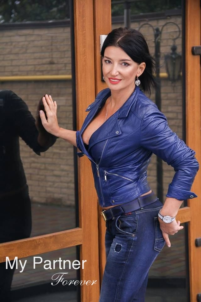 Stunning Woman from Ukraine - Nataliya from Dniepropetrovsk, Ukraine
