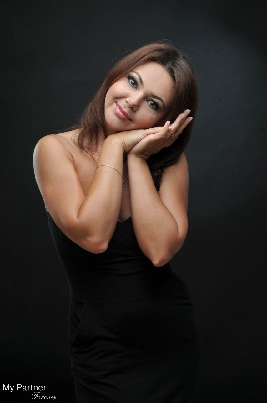 Online Dating with Beautiful Russian Woman Nellya from St. Petersburg, Russia