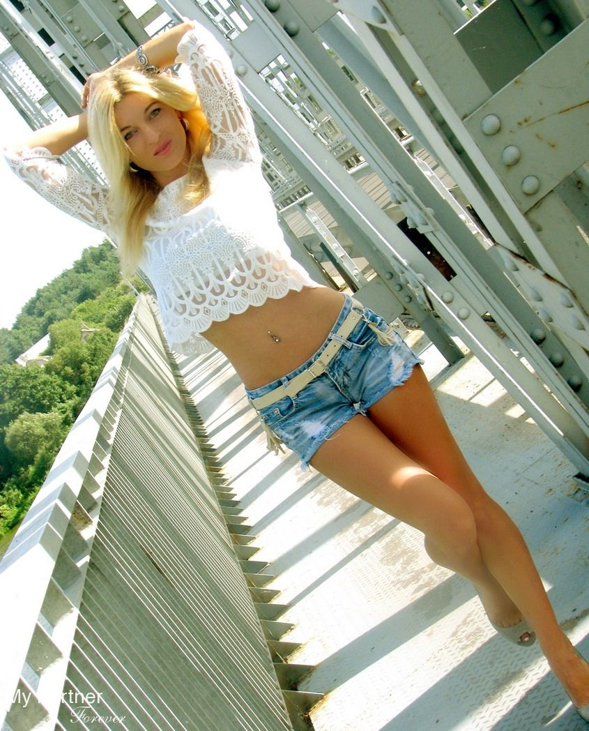 Online Dating with Sexy Belarusian Girl Oksana from Grodno, Belarus